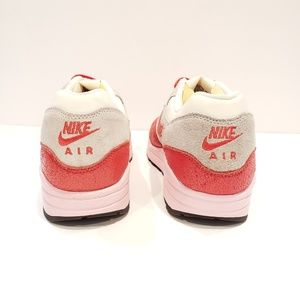 Nike Shoes - Rare Nike Air Max 1 retro vintage style